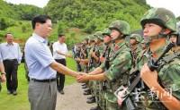 云南省长陈豪慰问中缅边境一线维稳部队官兵