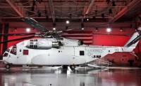 """美国海军采购首批2架CH-53K""""种马王""""重型运输直升机"""