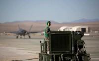 美海军陆战队演练在远征前进基地操作F-35C
