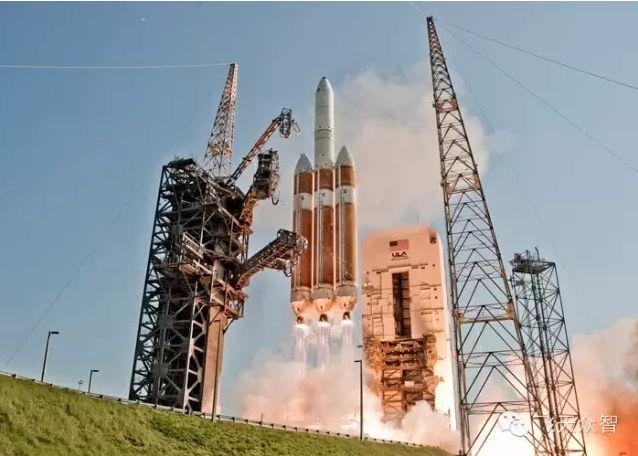 德尔塔IV型运载火箭发射