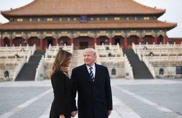 特朗普和夫人在故宫