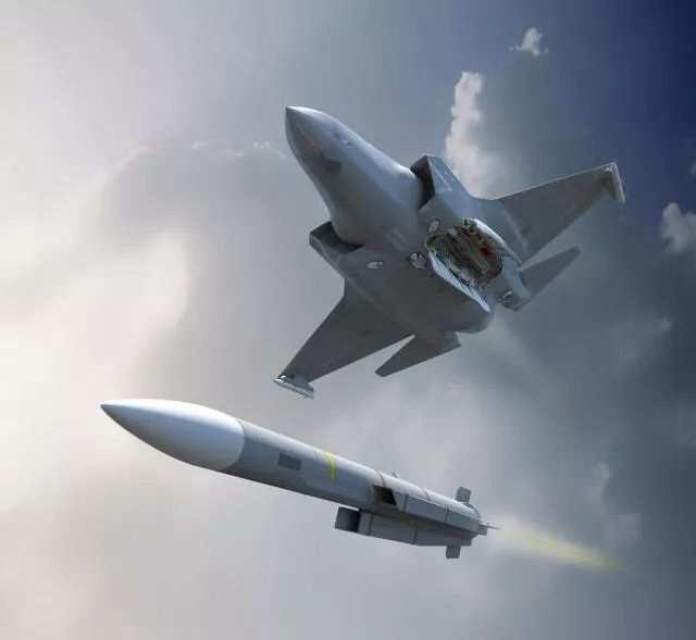 """F-35战斗机发射""""流星""""导弹想象图"""