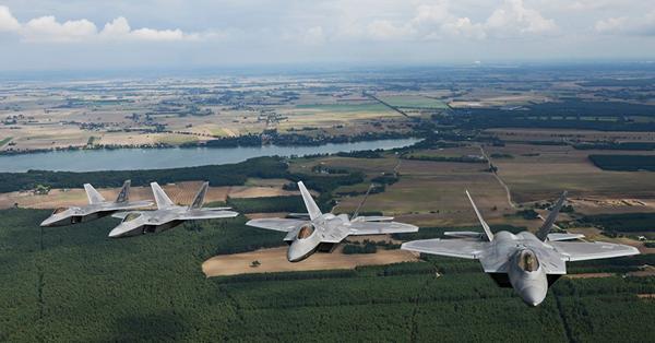 F-22华沙