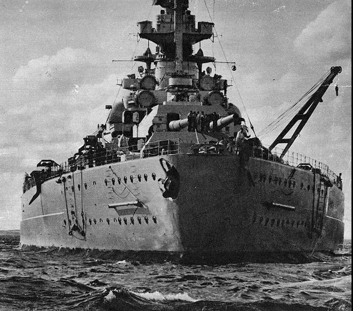 俾斯麦号战列舰